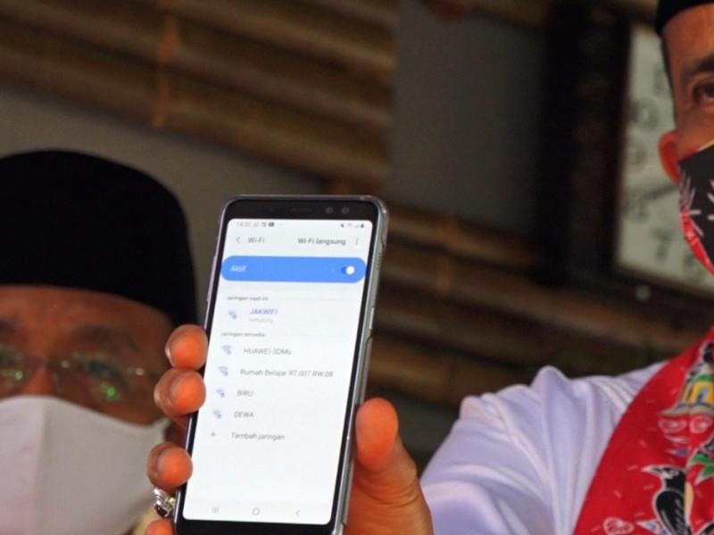Wali Kota mengecek saluran JAKWIFI
