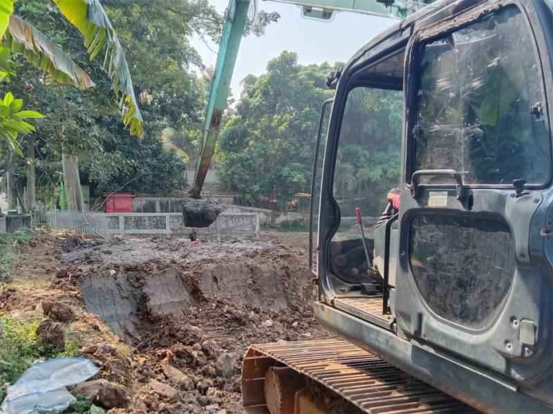 Pengerukan Kali Krukut Jakarta Selatan Dikebut