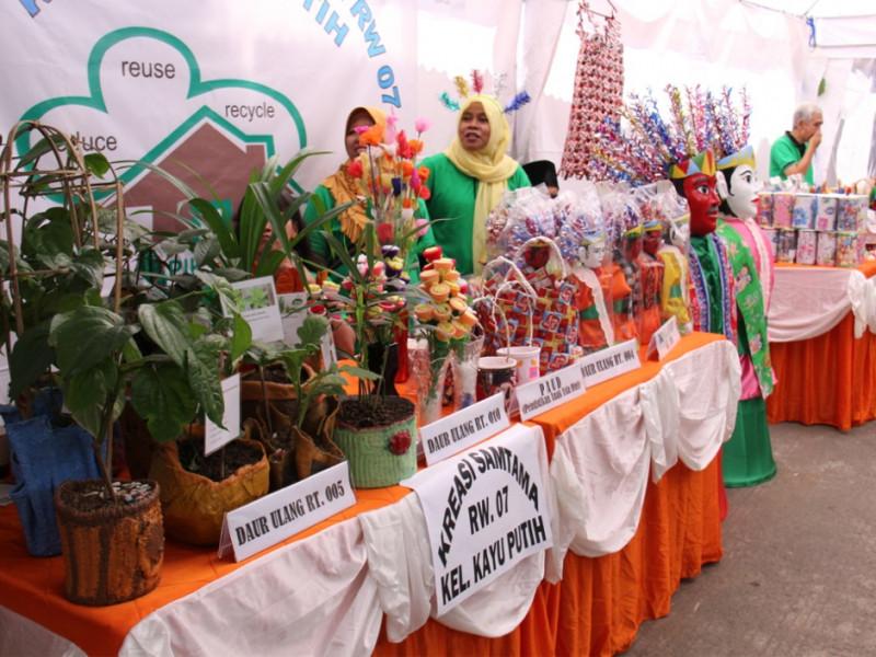 Hasil daur ulang sampah yang bisa dimanfaatkan sebagai wadah tanaman
