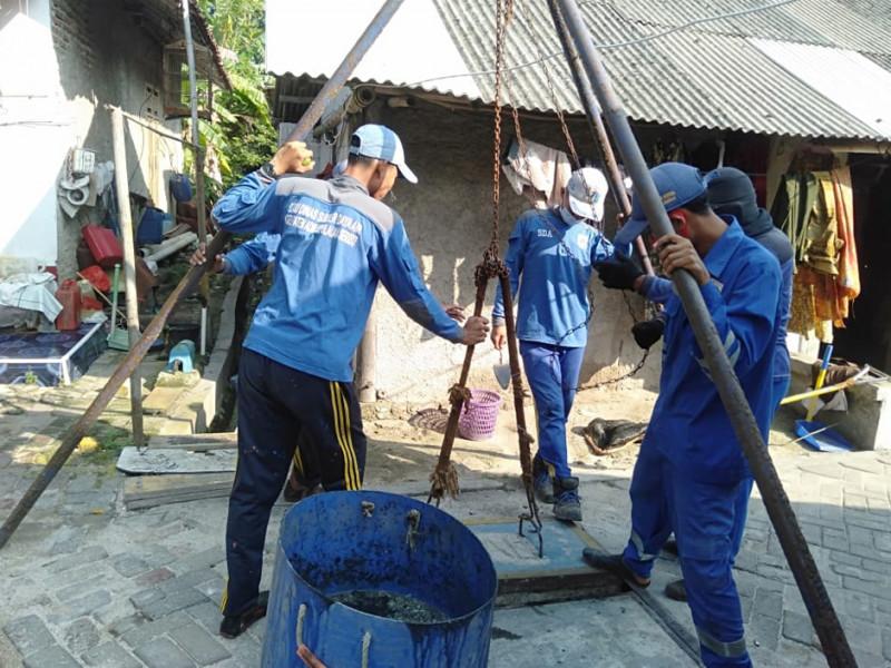 Pembersihan Saluran Ipal Zona 2 Pulau Lancang